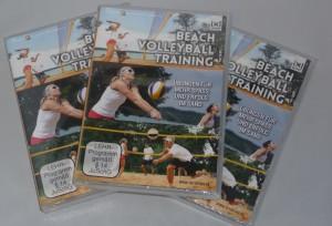 Das Bild zeigt 3 Beachvolleyball-Training-DVDs von Max Hauser