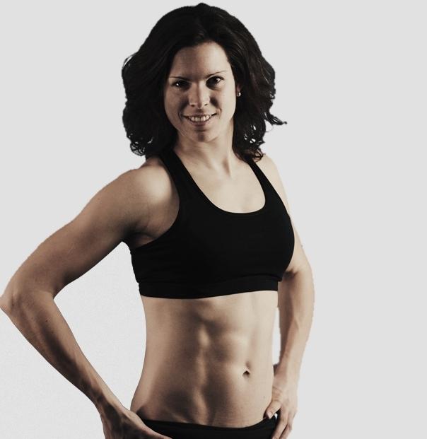 Das Bild zeigt Fitnesswarrior und Volleyballerin Christina Frese