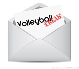 Das Bild zeigt einen geöffneten Briefumschalg mit einer Nachricht von VolleyballFREAK. Es symbolisiert eine E-Mail aus dem VolleyballFREAK-Newsletter
