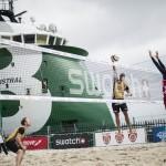 Das zeigt Beachvolleyballprofi Jonathan Erdmann beim Angriff in Stavanger 2015.