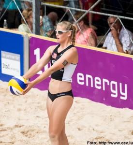 Das Foto zeigt Beachvolleyballerin und Abwehrspielerin Cinja Tillmann