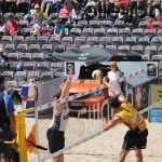 Angriff von Jonathan Erdmann auf dem FIVB Beachvolleyball Major Hamburg 2016