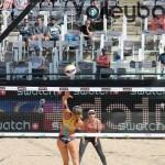 Katrin Holtwick mit dem Angriff beim FIVB Beachvolleyball Major Hamburg 2016