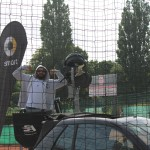 Das Foto zeigt den Mann hinter der Ballschussmaschine auf dem Smart Major Hamburg 2016