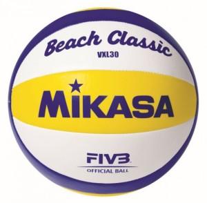 Das Foto zeigt den Mikasa VXL 30 Beachvolleyball.