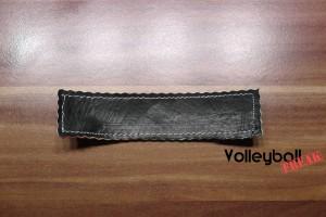 Das Bild zeigt die Rückseite des Volleyballschüsselanhängers.