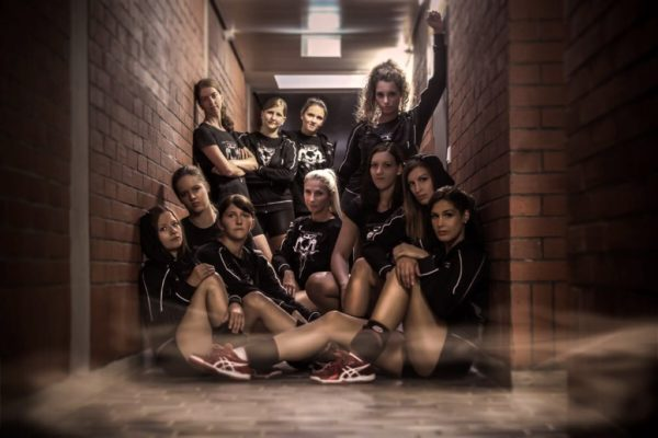 Das Foto zeigt die 2. Damenmannschaft vom Teamfoto der Damen 2 vom TV Furth im Wald.