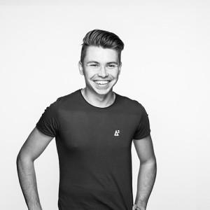 Gastautor: Mein Name ist Dominik Teubi, ich bin 23 Jahre und arbeite bei der Agentur Chaka2 in Salzburg. Als Teil der Snow Volleyball Crew bin ich für PR & Communication zuständig!