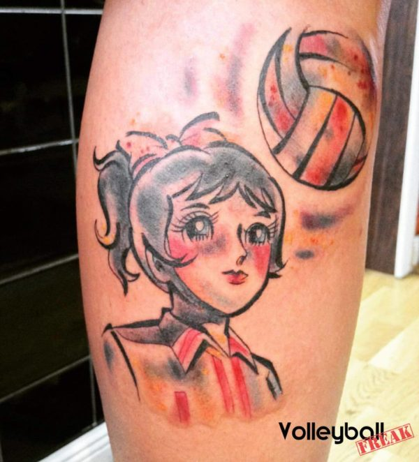 Das Foto zeigt Mila Superstar als Motiv für ein Volleyballtattoo auf der Wade!
