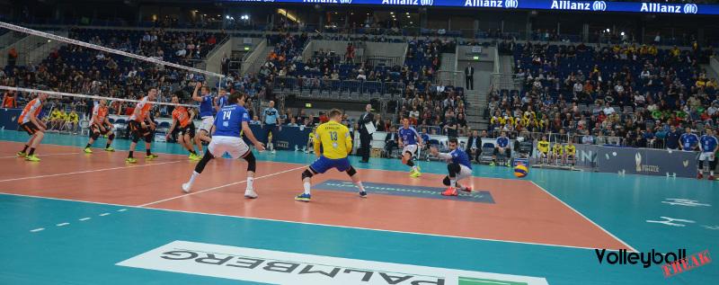 VolleyballFREAK TOP 10: Fehler, die du auf dem Volleyballfeld vermeiden solltest!