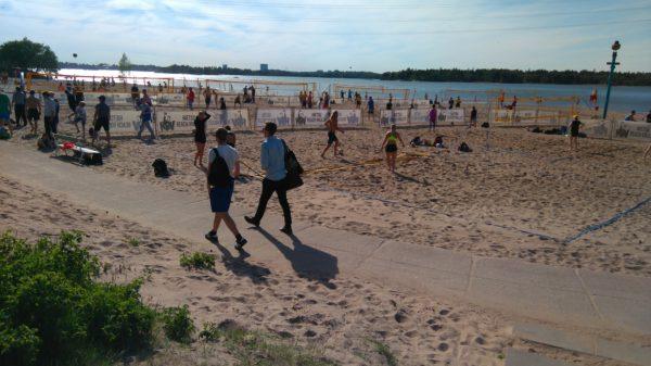Beachvolleyball am Hietsu Beach wird umgebaut für Damen.