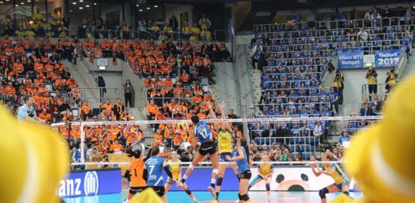 Das Foto zeigt den MTV Stuttgart gegen SSC Schwerin im DVV-Pokalfinale 2017!