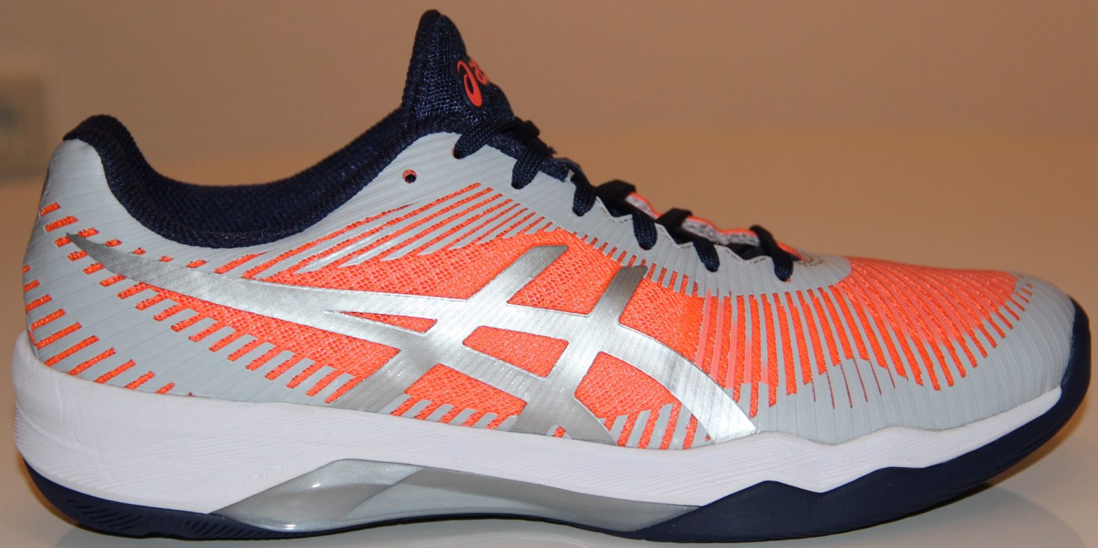 Der Asics Volley Elite FF w für Damen im Test - Volleyballfreak