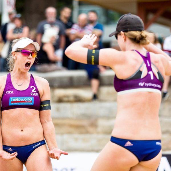 Karla Borger jubelt zusammen mit Julia Sude über den Sieg in Sydney.