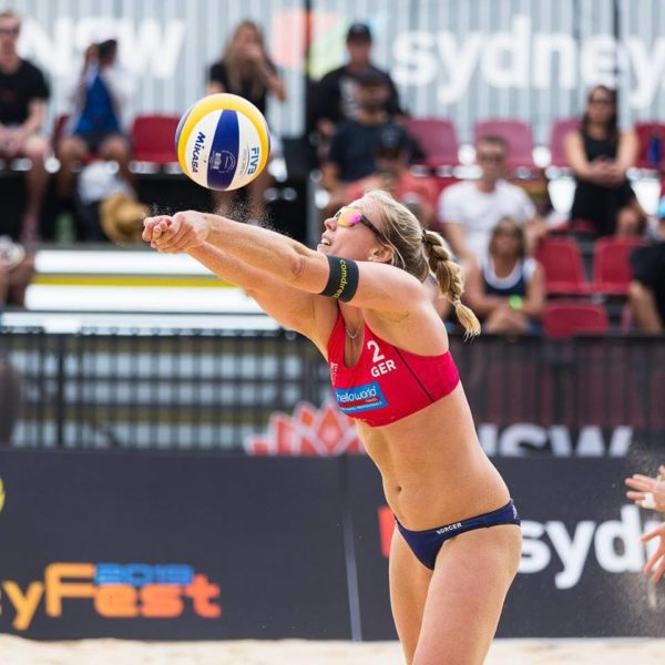 Feldabwehr von Karla Borger beim internationalen Turnier in Sydney