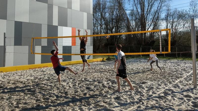 April, April!!! Revolution im Beachvolleyball: Ab 2022 wird 3 vs 3 gespielt