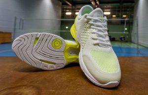 Das Foto zeigt den Volleyballschuh Hummel Aerocharge STZ